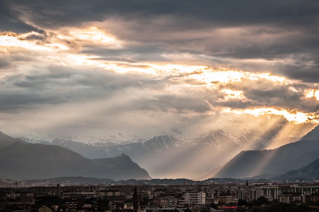 A quanto pare anche la pioggia si è innamorata in questi giorni di Torino, non se ne vuole più andare!... Turin, Piedmont, Italy.  Apparently even the rain has fallen in love in these days of my city, it doesn't want to go away!.